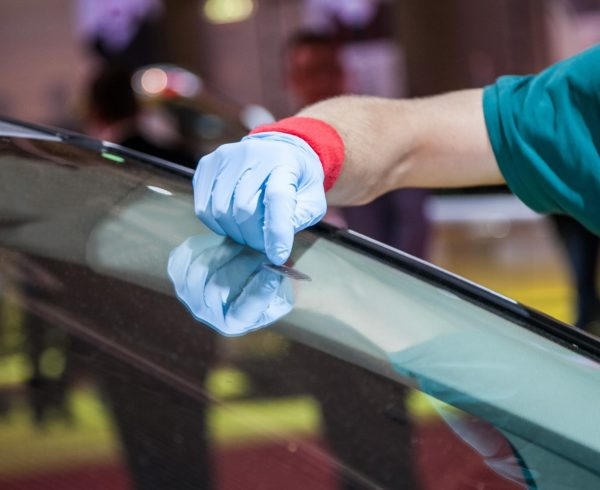 houston auto glass replacement
