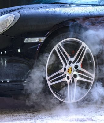 how to wash your car in the winter